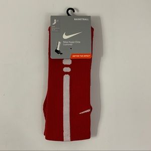 Nike NWT red basketball hyper elite crew sock